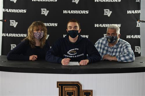 Lucas Santiago signs with Clarion University